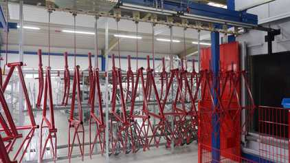 Finishing lines conveyors for any industrial liquid or powder coating process
