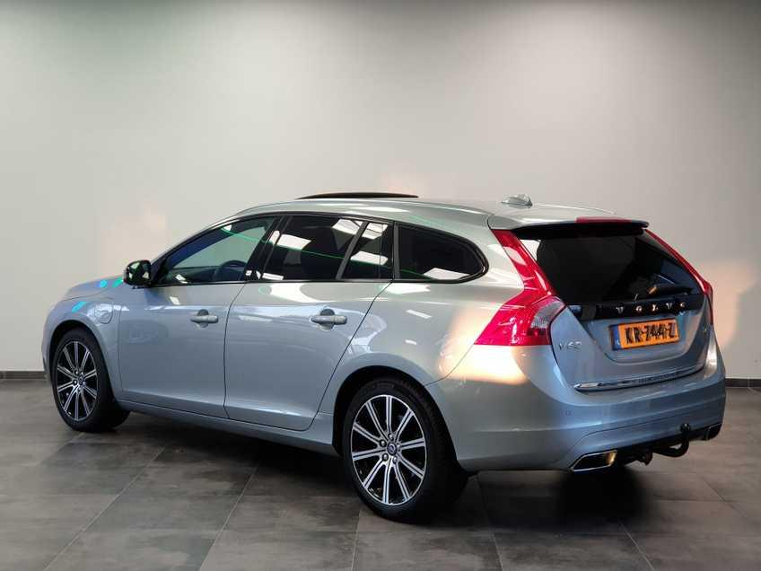 "Volvo V60 2.4 D6 Twin Engine Summum EX BTW Blis Xenon Opendak Navi AD Cruise 18""LM afbeelding 11"