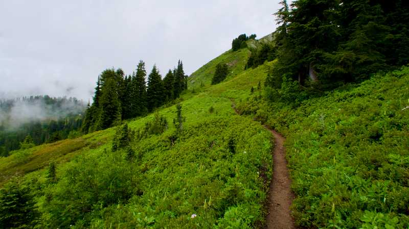 The trail continues along a ridge