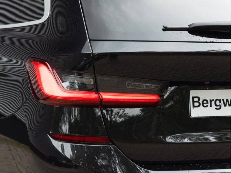 BMW 3 Serie Touring 330i M-Sport - Individual - Memoryzetel - Panorama - Trekhaak afbeelding 9