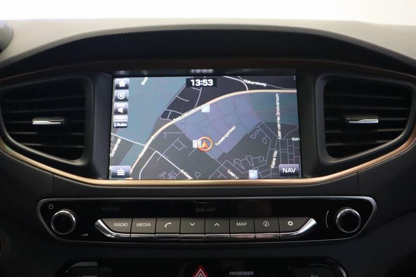 Hyundai IONIQ Comfort EV 4% Bijtelling NIEUW!! 21.116 ex. BTW Navigatie Adaptive-Cruise afbeelding 13