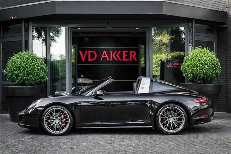 Porsche 911 TARGA 4 SPORT CHRONO+CAMERA+AKRAPOVIC afbeelding 11