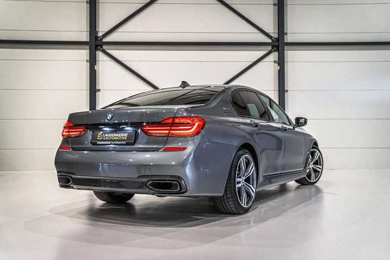 BMW 7 Serie 740e iPerformance M sport | €49.000,- Ex BTW| NP€135.000,-| Massagestoelen | Soft close | 20 inch | Surround view | Harman kardon afbeelding 2