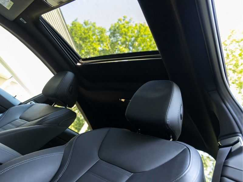 BMW 4 Serie Coupé M440i xDrive - High Executive - Dak - ACC - Harman Kardon afbeelding 3