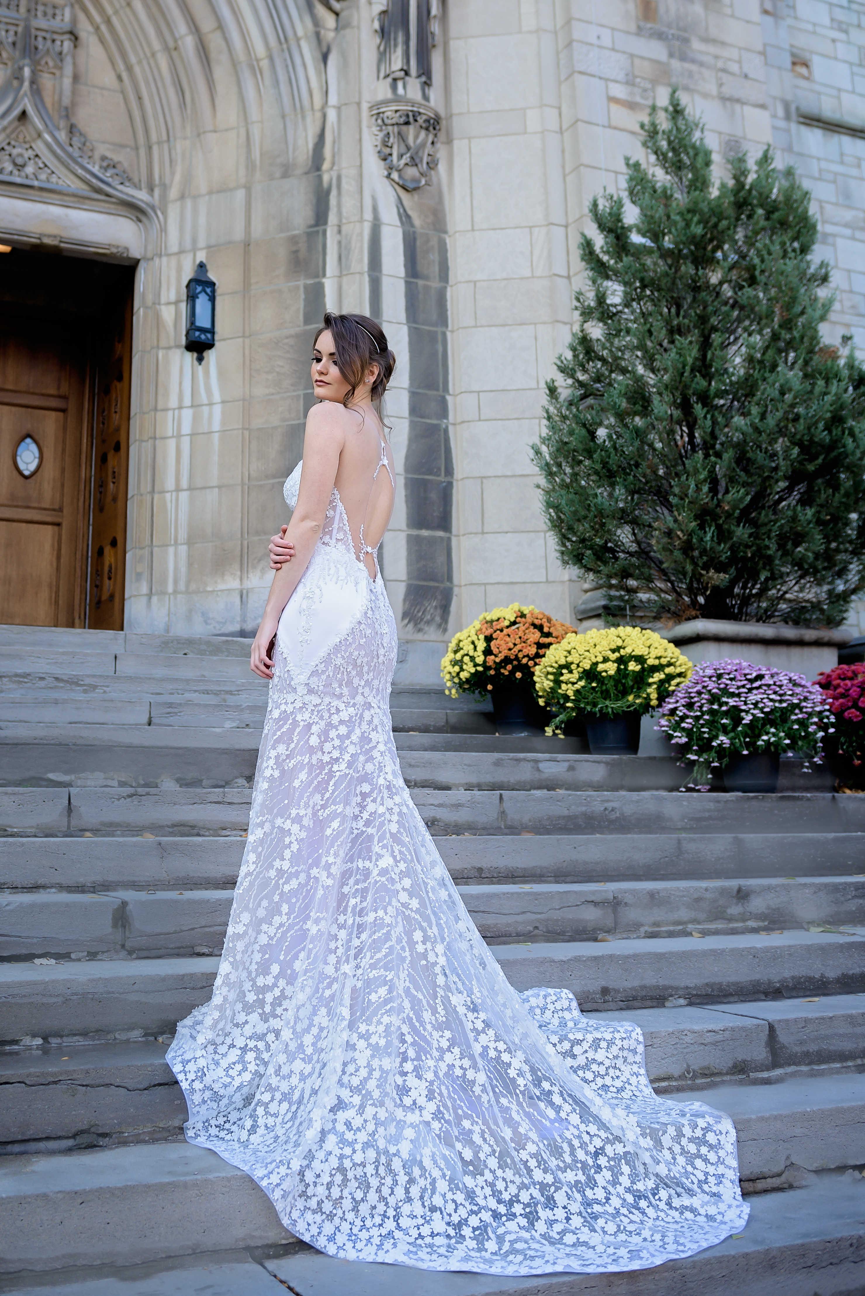 robe de mariee sirene fleurs 3d dos ouvert lilia haute couture