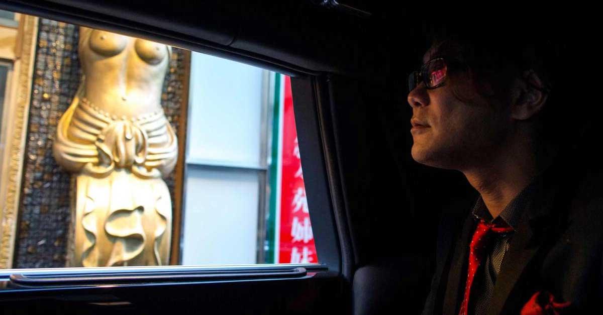 Fenomena Host Di Dunia Malam Jepang