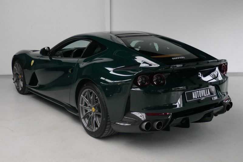 Ferrari 812 6.5 V12 Superfast Carbon in & exterieur - JBL - Camera afbeelding 3