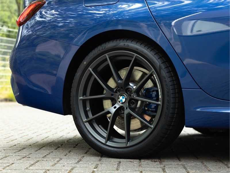 BMW 3 Serie Touring 330i M-Sport - Panorama - 19 Inch M-Performance - Active Cruise Controle afbeelding 10