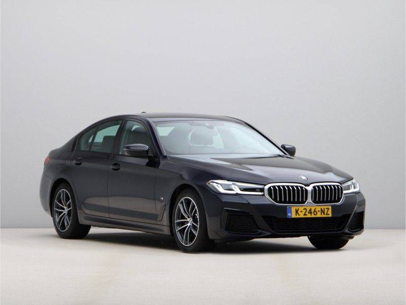 BMW 5 Serie 520i High Exe M-Sport Aut. afbeelding 7