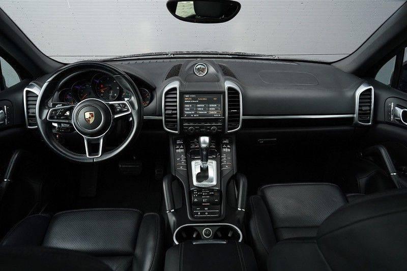 "Porsche Cayenne 3.0 D Facelift Luchtv. Pano Bose Sportchrono 21"" afbeelding 2"