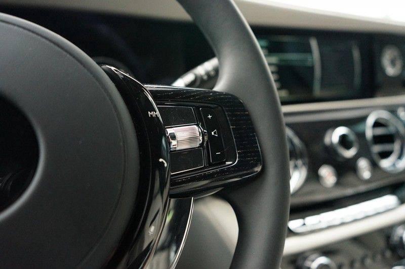 Rolls-Royce Ghost 6.75 V12 Nieuw model, Starlight Headliner, Bespoke audio afbeelding 17