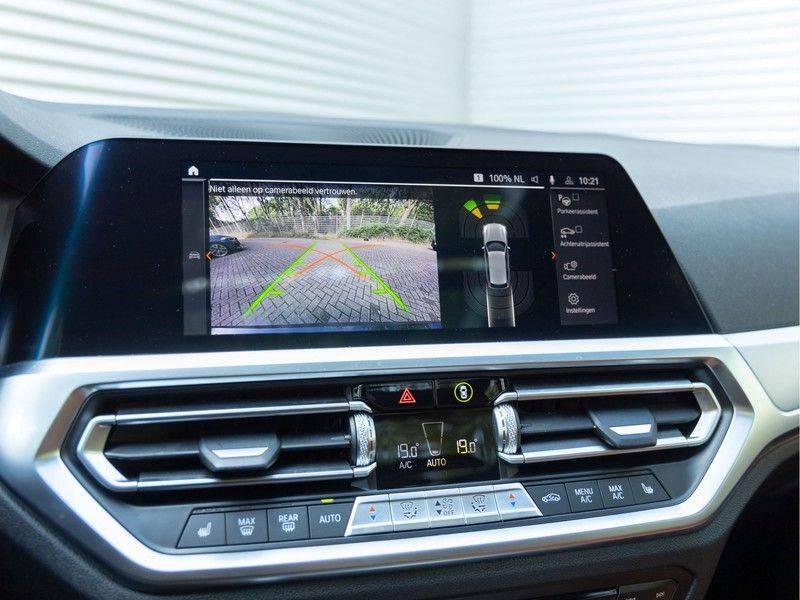 BMW 3 Serie Touring 330i M-Sport - Individual - Memoryzetels - Trekhaak - Panorama afbeelding 25