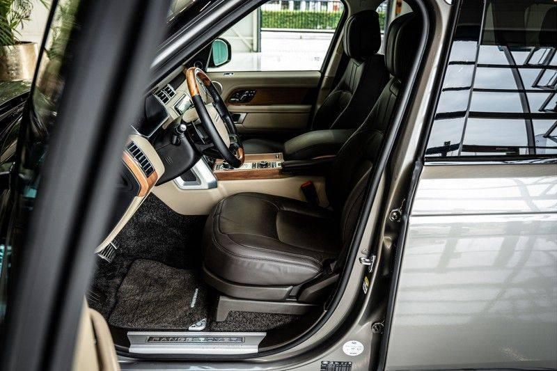Land Rover Range Rover 4.4 SDV8 Black Pack | Panorama | Head-up Display | Trekhaak | Ambient lighting afbeelding 12