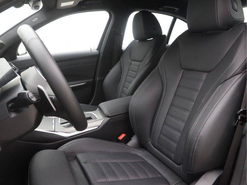 BMW 3 Serie Sedan 330e High Executive M-Sport Automaat afbeelding 5
