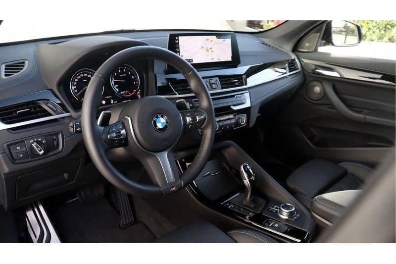 BMW X1 xDrive20i High Executive M Sport Panoramadak, Head Up Display, Trekhaak afbeelding 5