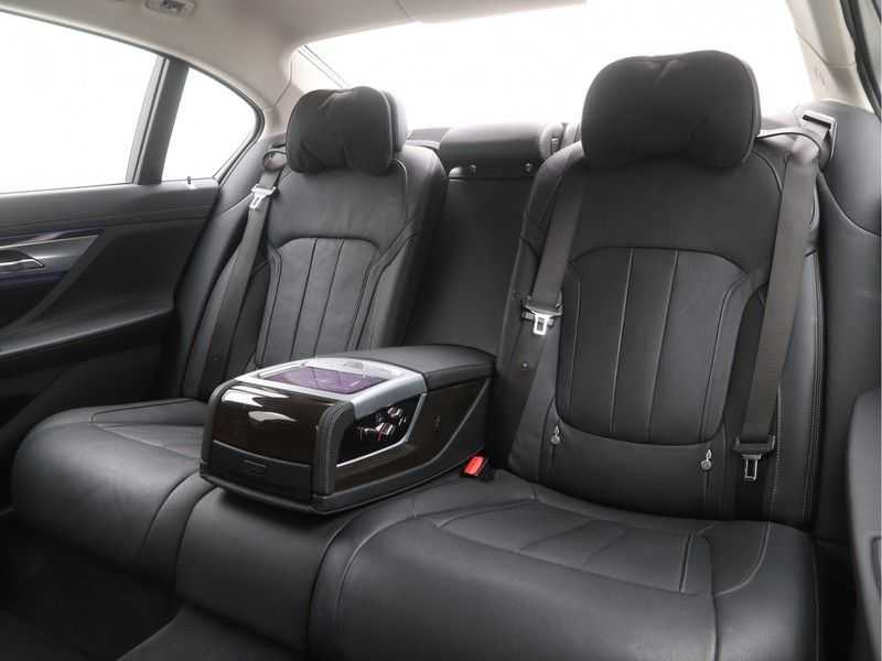 BMW 7 Serie 740Le PHEV High Executive Automaat afbeelding 14