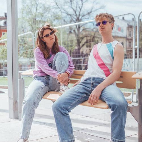 Endelig litt varmt i været! Vi har t-shirts, singlets og shorts 🧞♂️ #vintagewear #vintage #vintageclothing #visitløkka