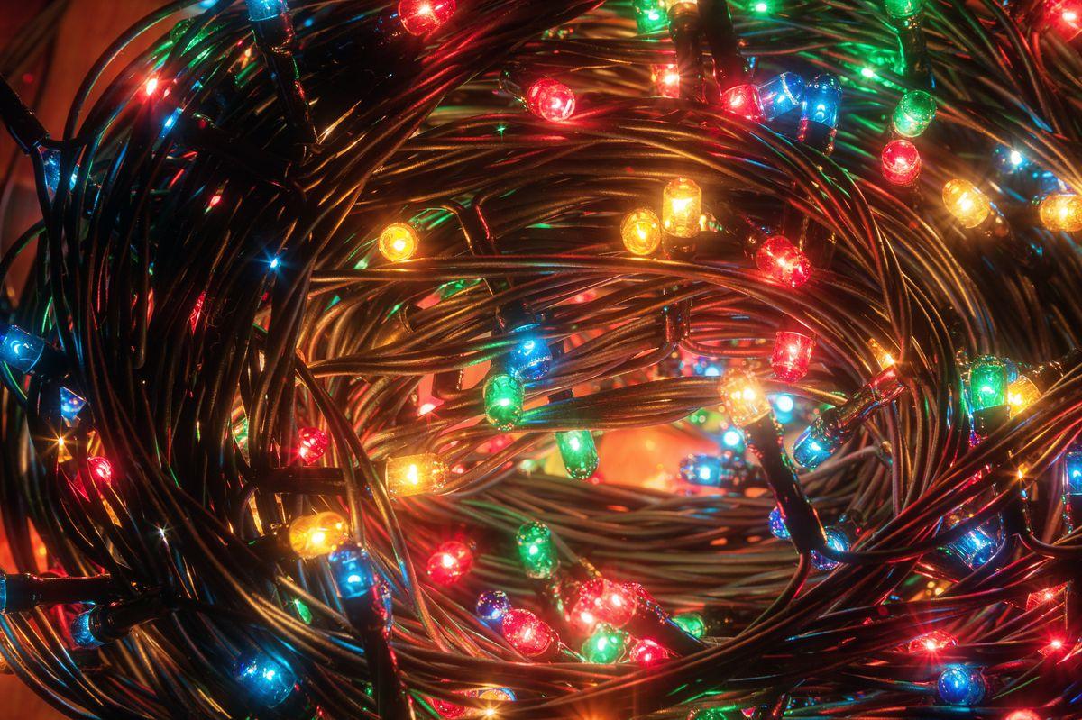 holiday hacks tangled lights