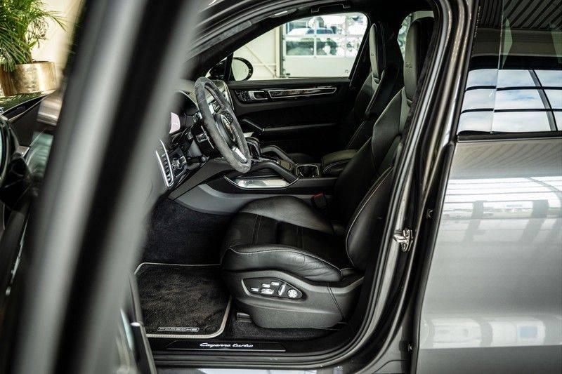 Porsche Cayenne 4.0 Turbo   Head-Up   Carbon   Panorama   3D Camera   BOSE   Trekhaak   Afwijkende stikselkleur   Stoelventilatie   NP 252.000! afbeelding 12