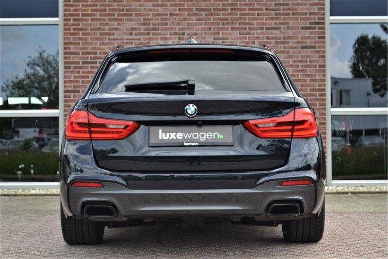 BMW 5 Serie Touring M550d xDrive 400pk Pano Standk ACC 20inch Adp-LED HUD afbeelding 8