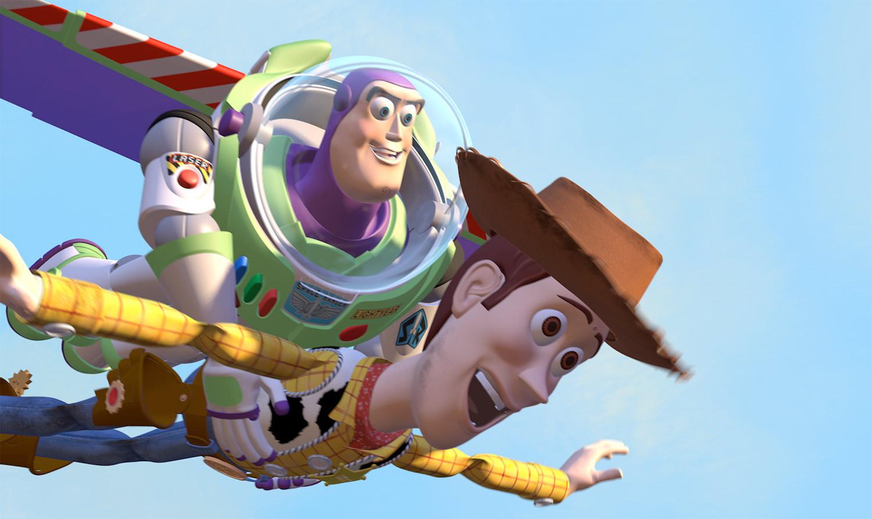 Buzz e Woody caem com estilo no carro do Andy