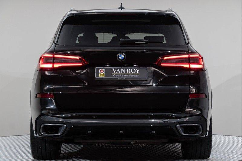"BMW X5 M40i xDrive 340pk Panoramadak VirtualCockpit ShadowLine Sportleder+Memory Head-Up HarmanKardon Luchtvering Laserlicht AmbientLight Keyless Sportuitlaat 22"" 360Camera ParkAssist Pdc afbeelding 14"