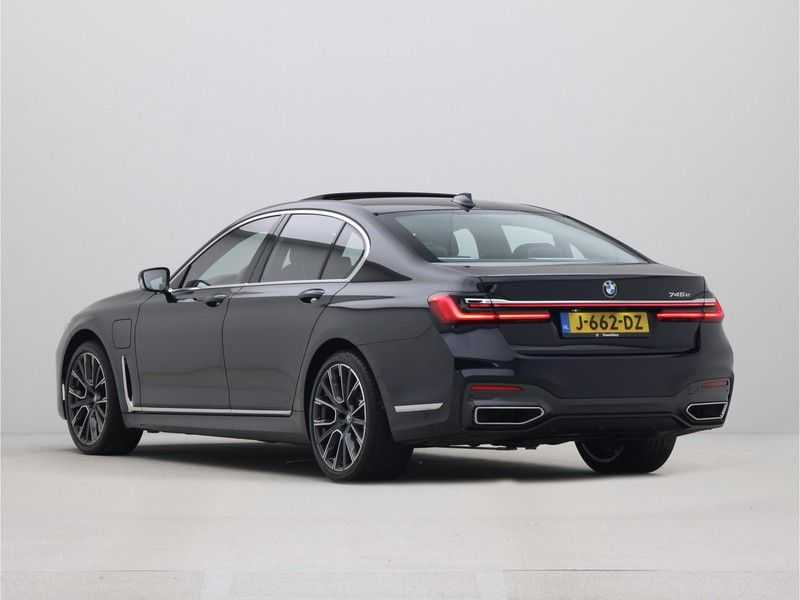 BMW 7 Serie 745e High Executive M-Sport Automaat afbeelding 9