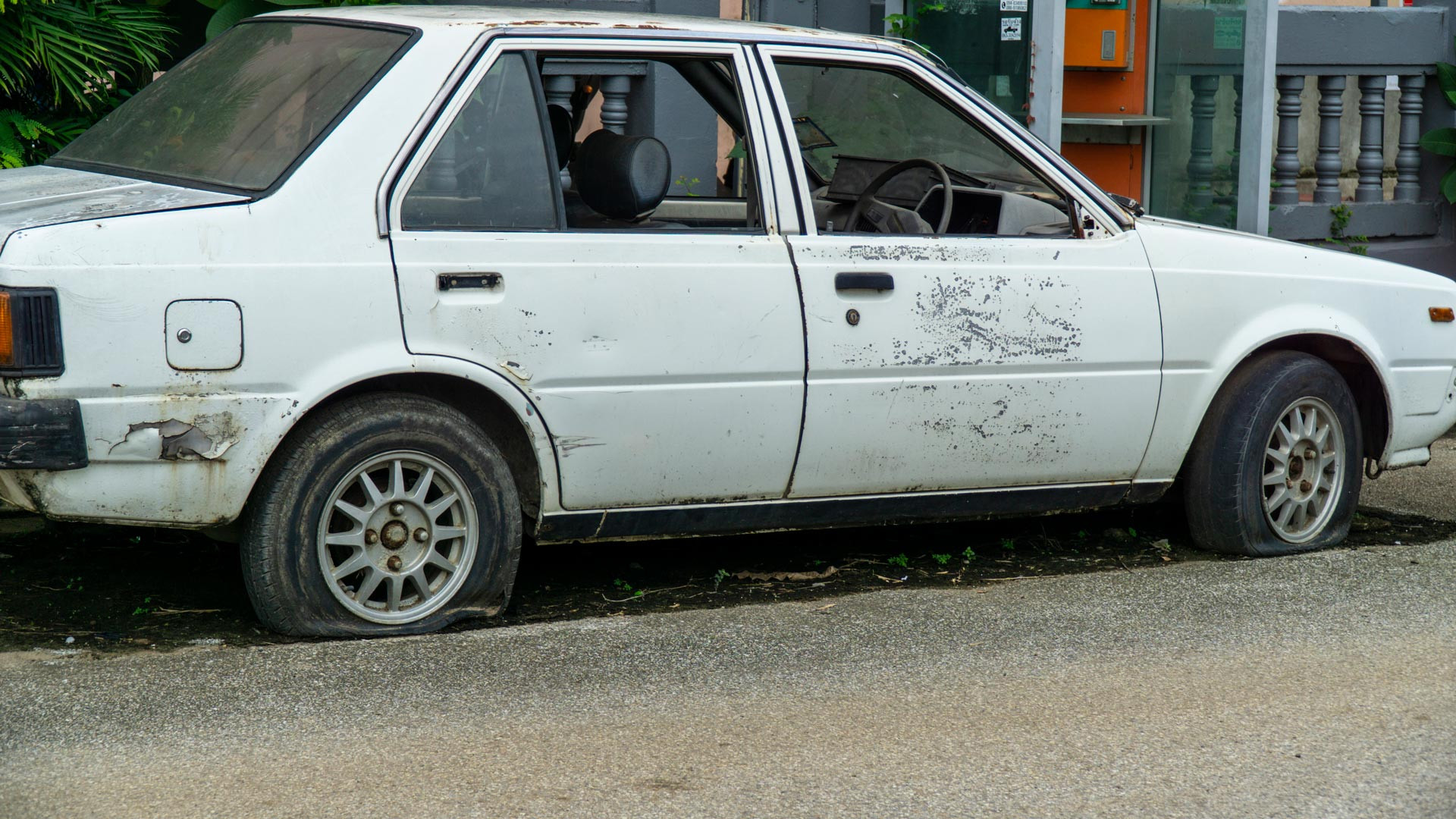 Junk car in bad condition, ready for junk car removal