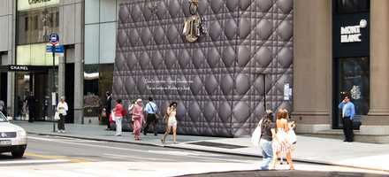 5 of the Best Construction Hoarding Designs