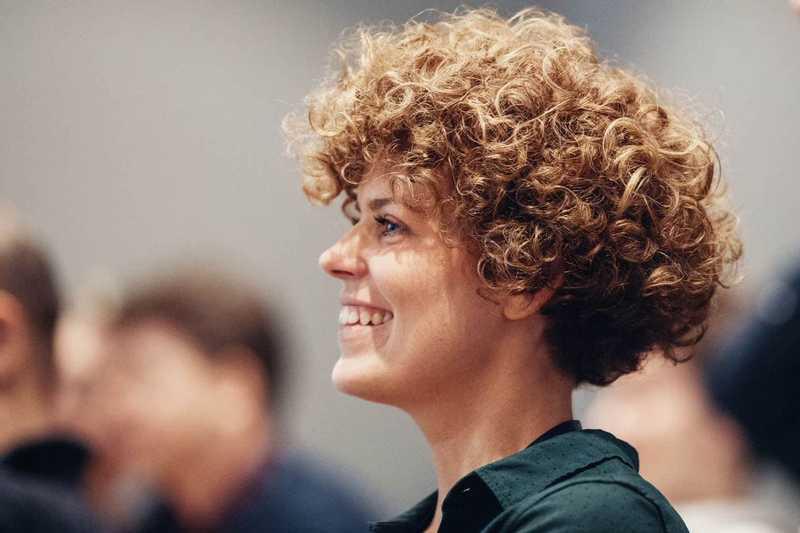 Sara Magnusson underholdes på CapraCon