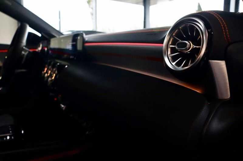 Mercedes-Benz CLA-Klasse 200 AMG Orange Edition PANO|Burmester|360cam|Sfeer afbeelding 15