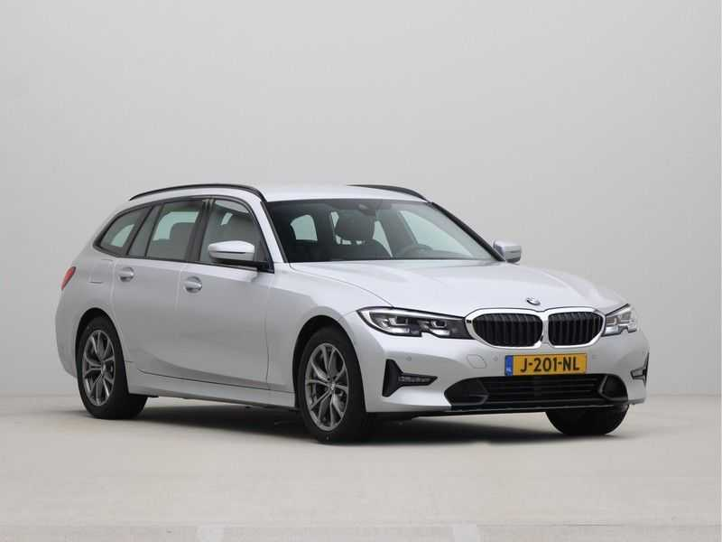 BMW 3 Serie Touring 318i High Executive Sport Line Automaat afbeelding 3