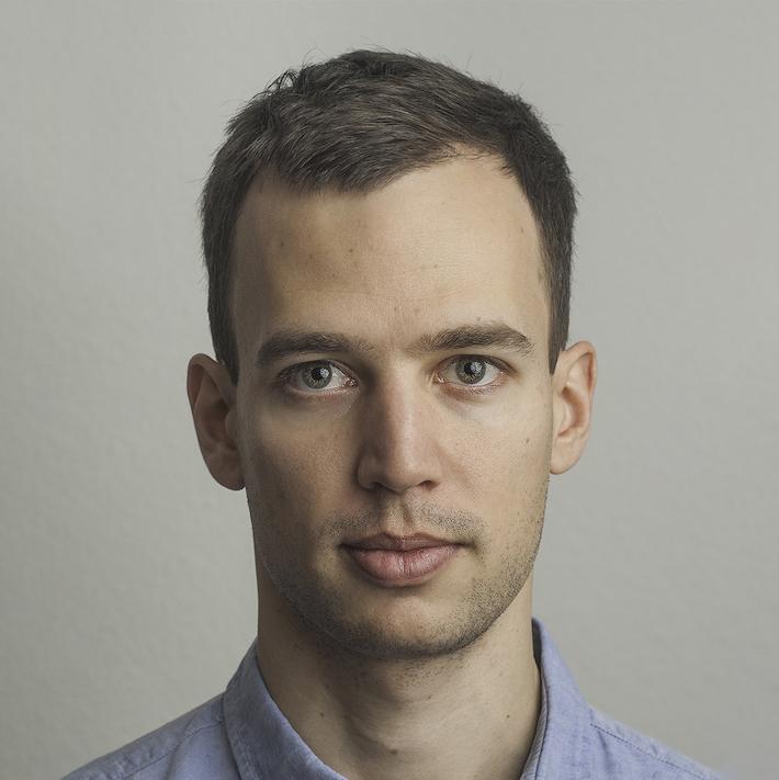 Portrait photo of Xavier Adam