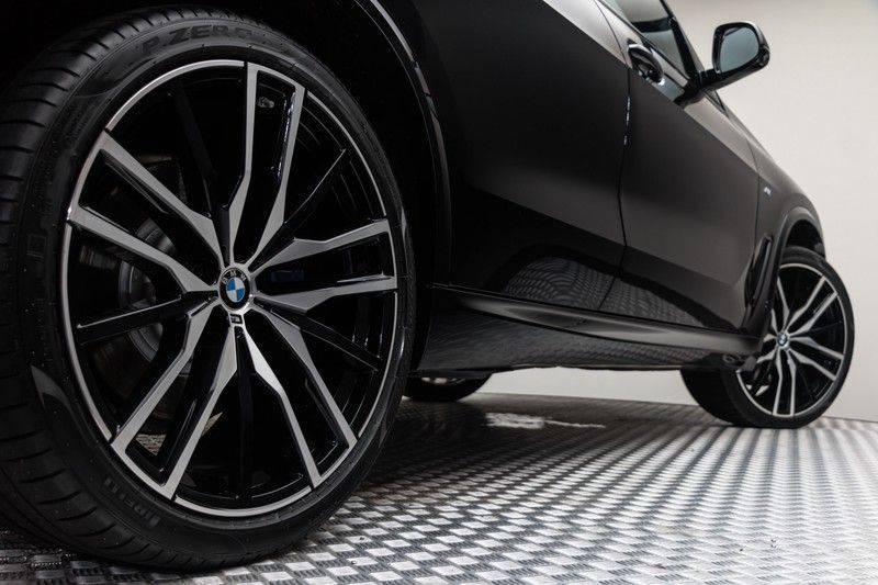 "BMW X5 M40i xDrive 340pk Panoramadak VirtualCockpit ShadowLine Sportleder+Memory Head-Up HarmanKardon Luchtvering Laserlicht AmbientLight Keyless Sportuitlaat 22"" 360Camera ParkAssist Pdc afbeelding 10"