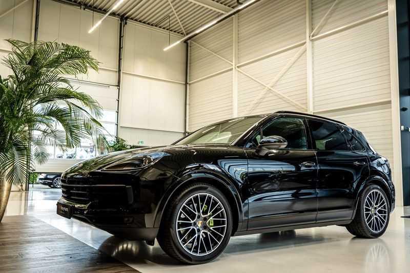 Porsche Cayenne 3.0 E-Hybrid | Panorama | Memory | 360 gradencamera | Sport Chrono | DAB afbeelding 8