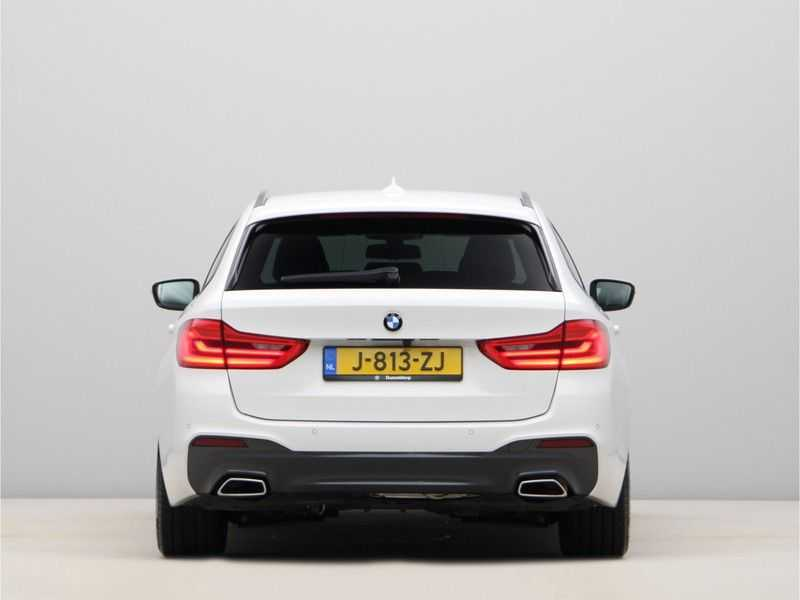 BMW 5 Serie Touring 520d High Executive M-Sport Aut. afbeelding 6