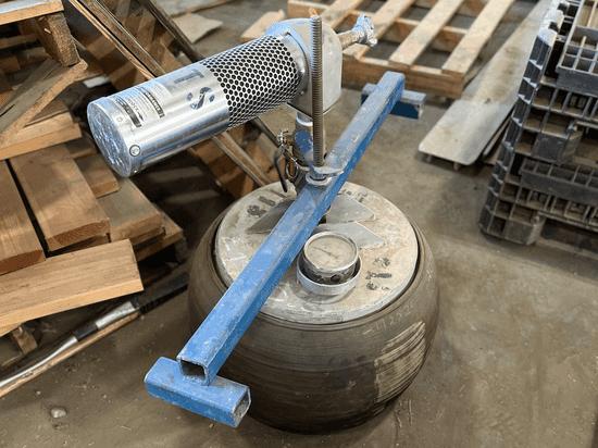 Vacuum Test Plug with pump