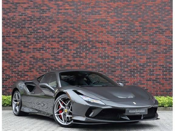 Ferrari F8 Tributo *Carbon*Lift*LED*Passenger display*Camera*