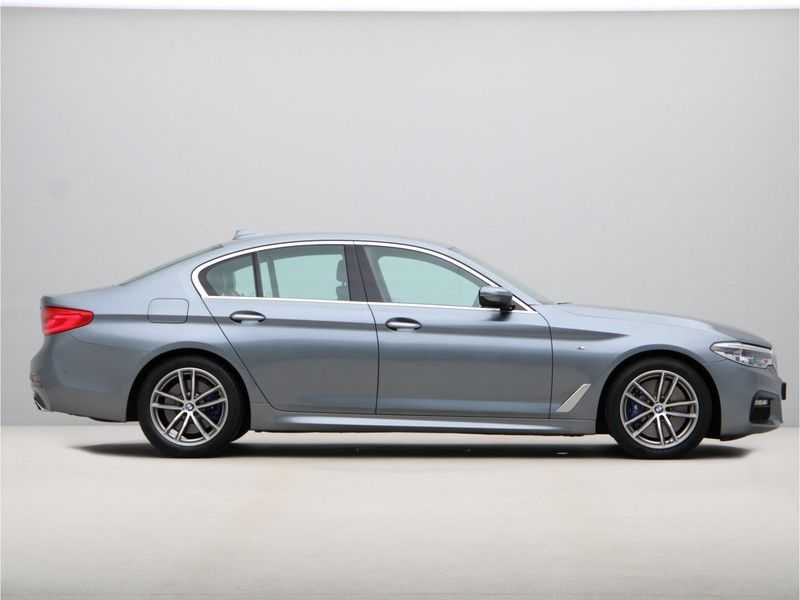 BMW 5 Serie 540i High Exe M-Sport Aut. afbeelding 3