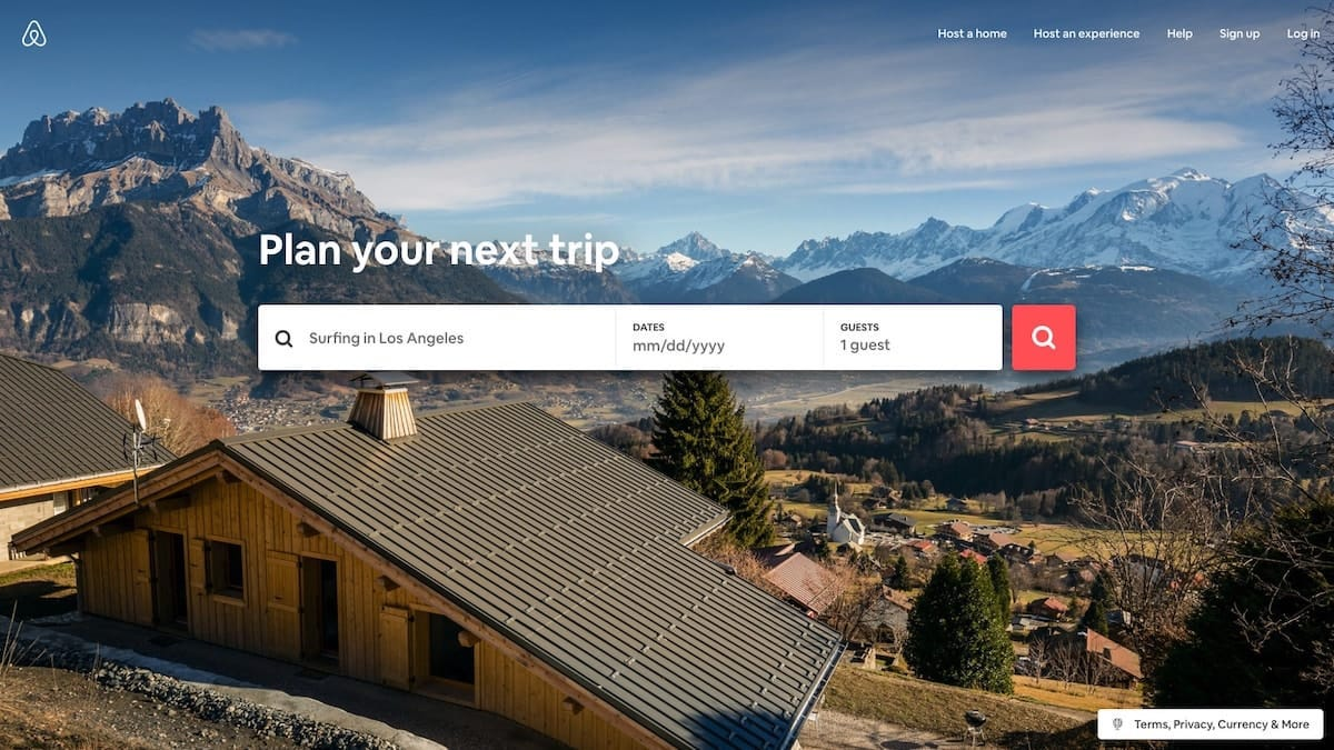 Example from Airbnb of great user interface design for a homepage