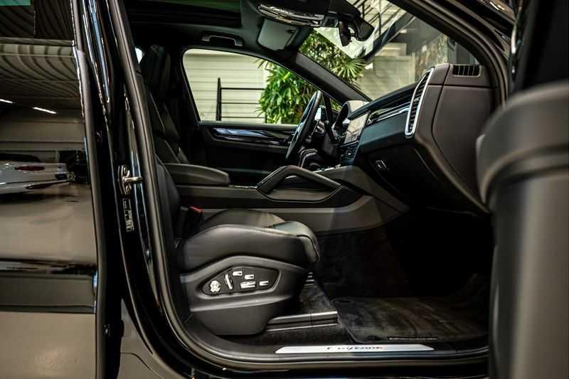 Porsche Cayenne 3.0 E-Hybrid | Panorama | Memory | 360 gradencamera | Sport Chrono | DAB afbeelding 18