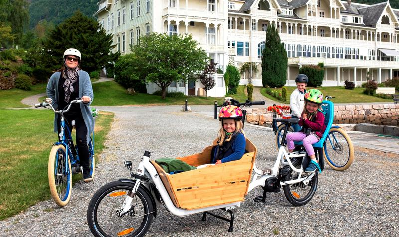 Balestrand E-Bike Rental & our child seat solution