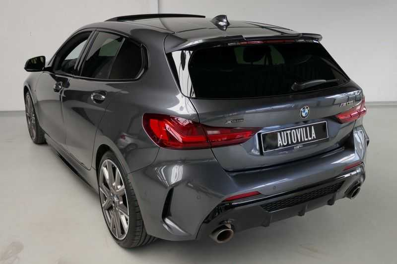 BMW 1 Serie M135i xDrive High Executive Virtual - Led - Panodak afbeelding 6