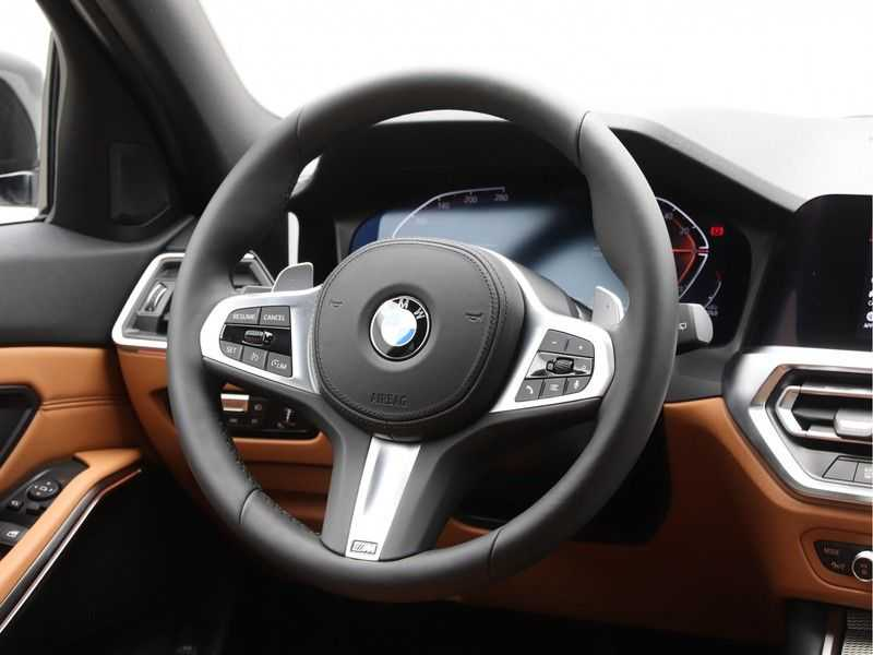BMW 3 Serie Touring 318i Exe M-Sport Aut. afbeelding 6