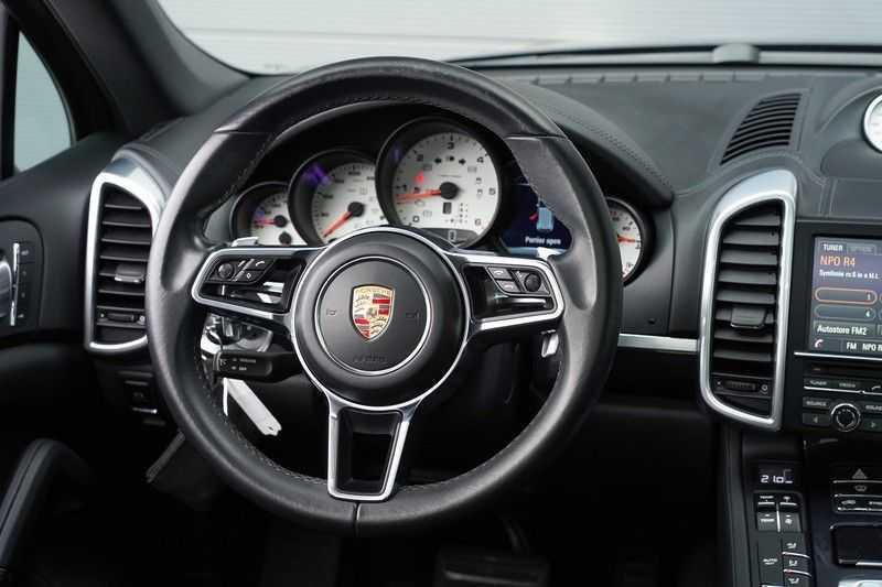 "Porsche Cayenne 3.0 D Facelift Sport Design Sportchrono + stoelen Pano 21"" afbeelding 18"