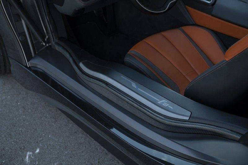 BMW i8 Roadster Dry Carbon, Carbon interieur afwerking, Accaro fijn nappa leder, Progressive package , Laser LED Koplampen afbeelding 17