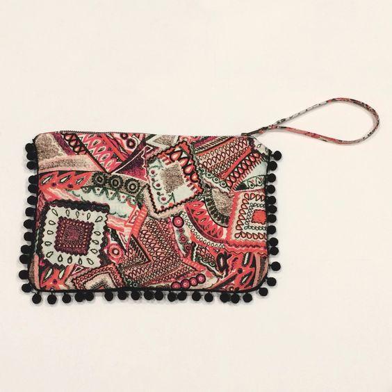 Porte monnaie en tissu avec attache à la fermeture éclair