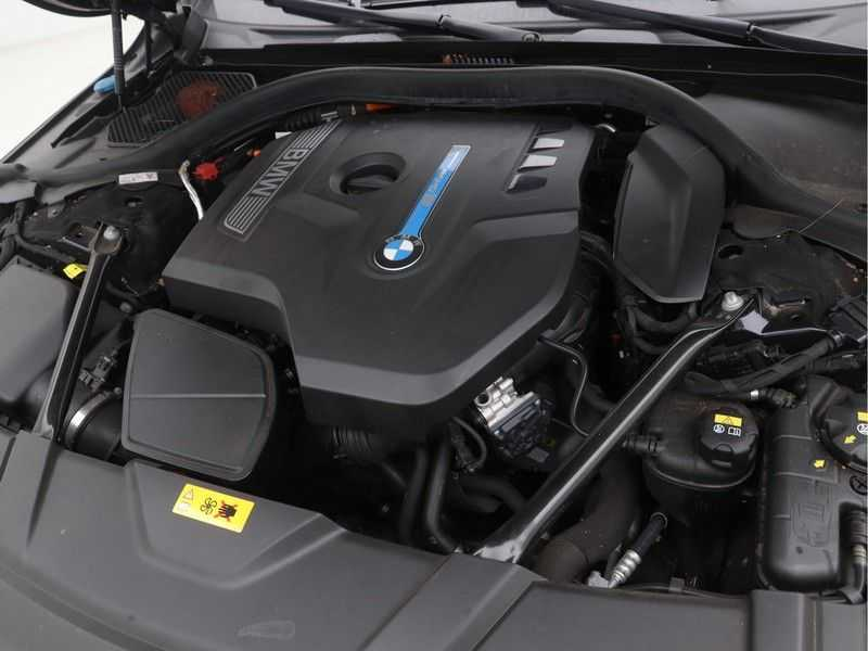 BMW 7 Serie 740Le PHEV High Executive Automaat afbeelding 2