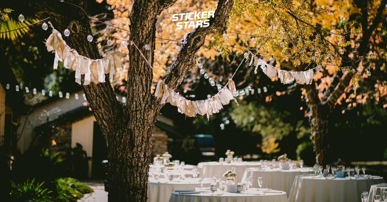 """Hochzeitsmotto """"Natur"""" im eigenen Garten feiern."""