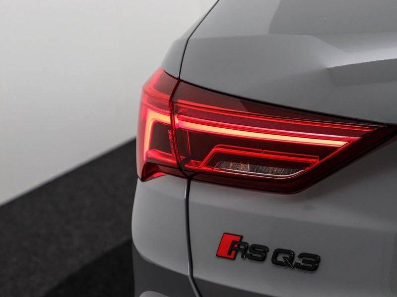 Audi Q3 Sportback TFSI RS 400 pk | Pano.Dak | Camera | Adapt.Cruise | Trekhaak| | Zwart Optiek | Alcanatara | RS Dynamic | afbeelding 25